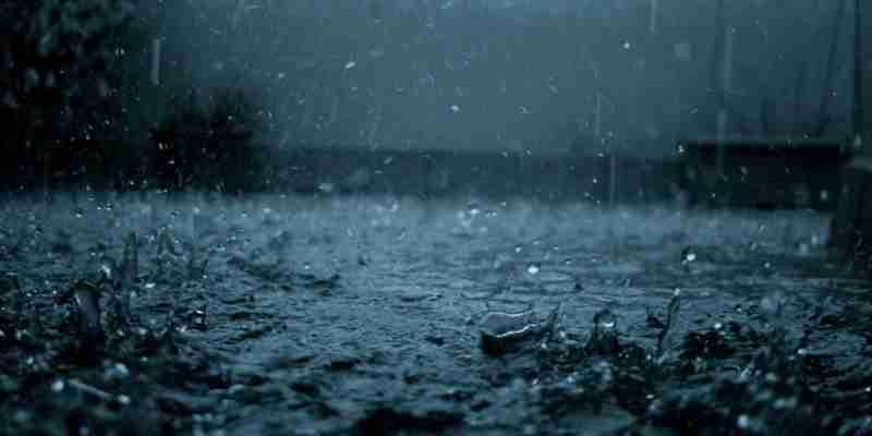 Soñar con agua de lluvia
