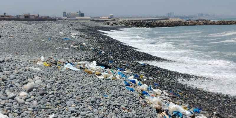 soñar con el mar sucio